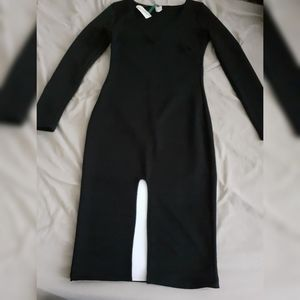 Long sleeve black v neckline dress